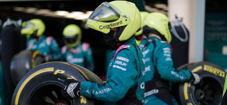 Mehaničari Aston Martina
