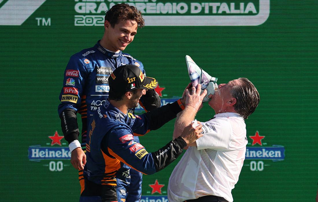 Lando Norris, Daniel Ricciardo i Zak Brown