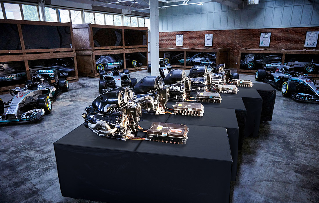 Mercedesovi šampionski bolidi i motori